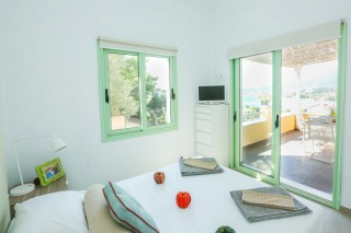 maisonette saint george bedroom