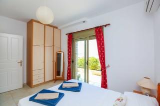 villa saint george bedroom