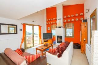 villa saint george living room